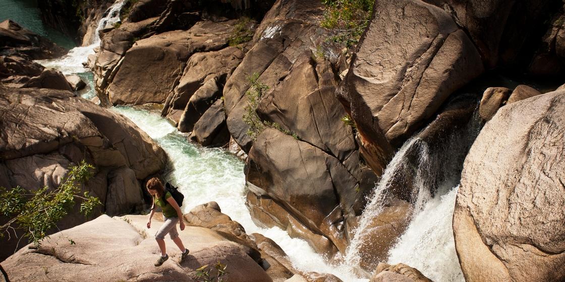Hiking_CentralAmerica_Rock_01-big