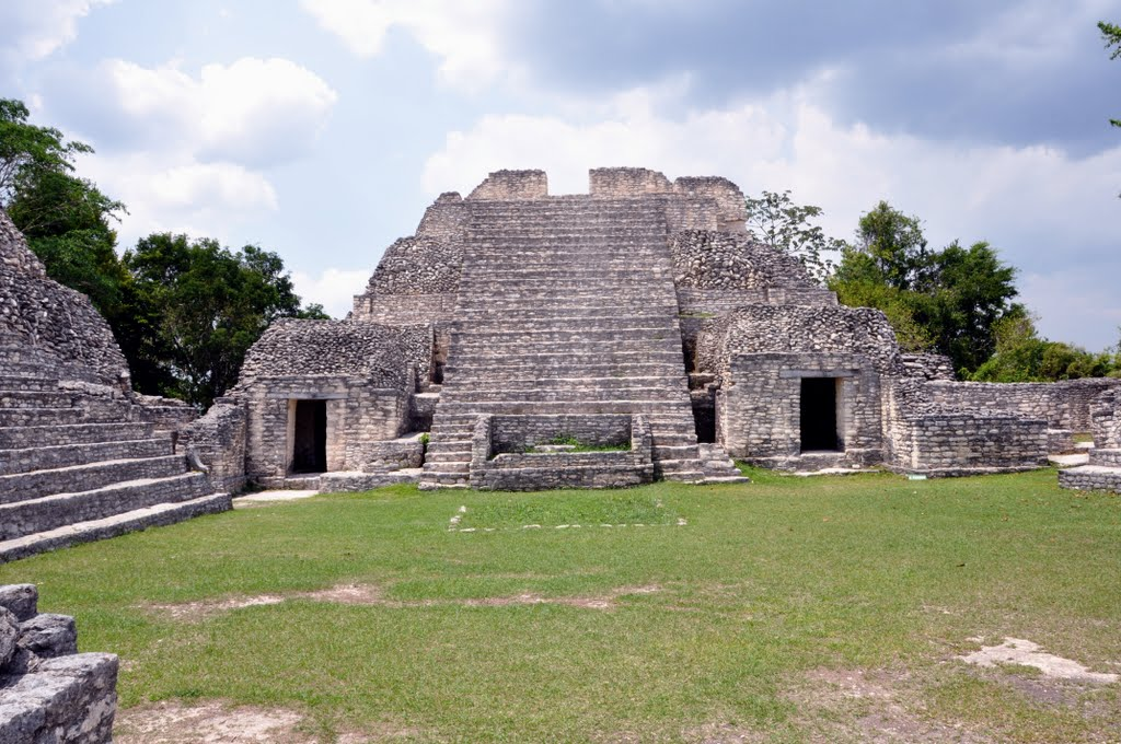 caracol ruins belize central america