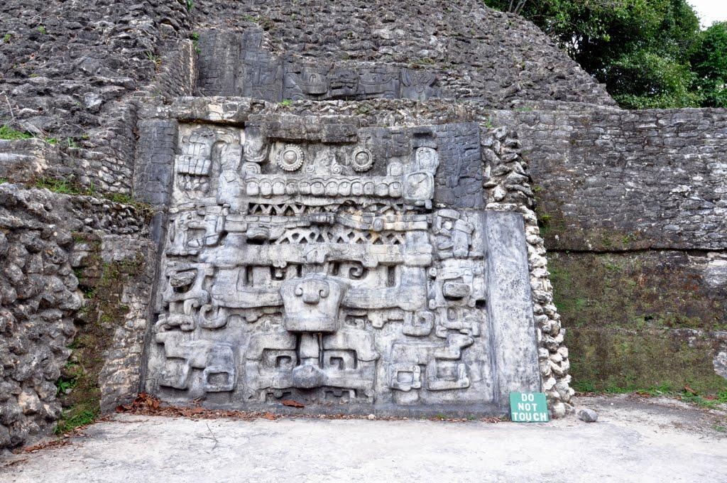 maya ruins in belize caracol maya site