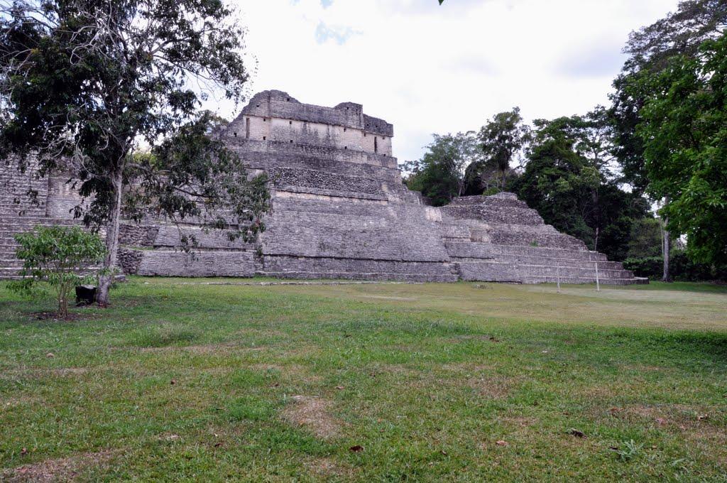maya ruins in belize caracol
