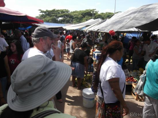 san-ignacio-market belize tour