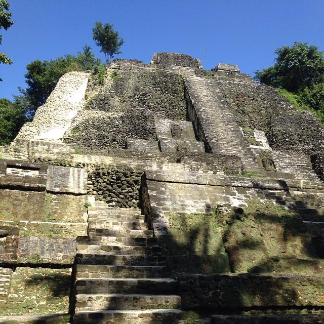 maya ruins in belize