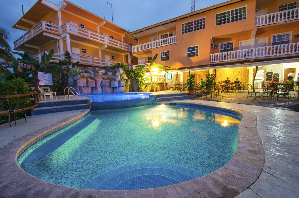 swimming pool in san ignacio | restaurants in san ignacio town| food in belize