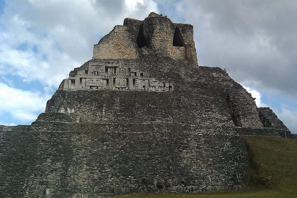 5 Incredible Images of Xunantunich Maya Ruins in San Ignacio Belize