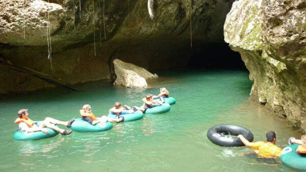 belize-cave-tubing