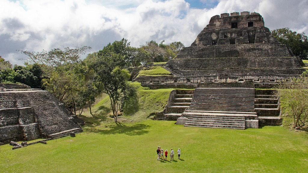 things to do in San Ignacio belize with kids